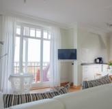 App 12 - Wohnzimmer/Küche