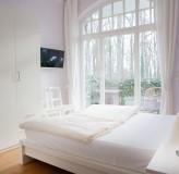 App 2/3 - Schlafzimmer zum Park (App2)