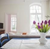 App 2/3 - Wohnzimmer